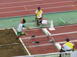 走幅跳1回目の跳躍