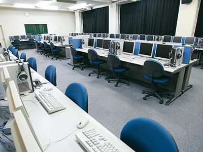 情報処理室1